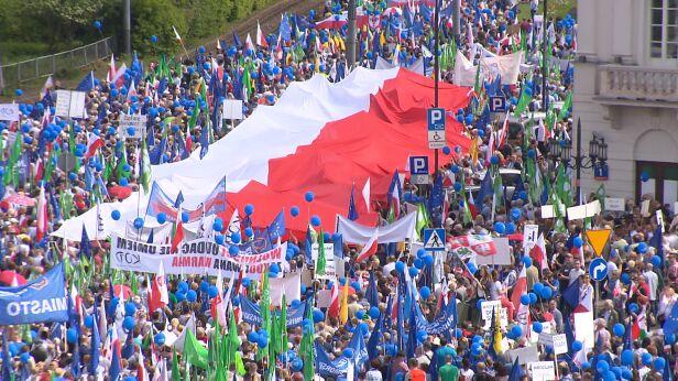 Marsz Wolności przeszedł ulicami Warszawy również rok temu TVN24