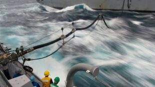 Zatankują samoloty wodą morską?